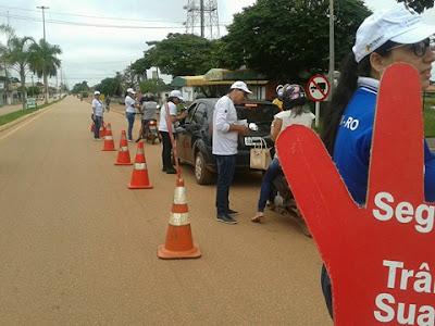 Ciretran realiza blitz educativa 'volta as aulas' para conscientizar condutores em Guajará-Mirim