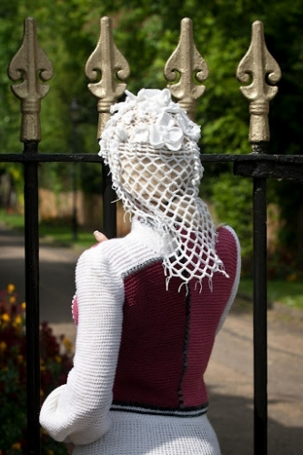 sweterek na drutach