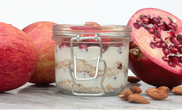 pomegranate and apple overnight oats