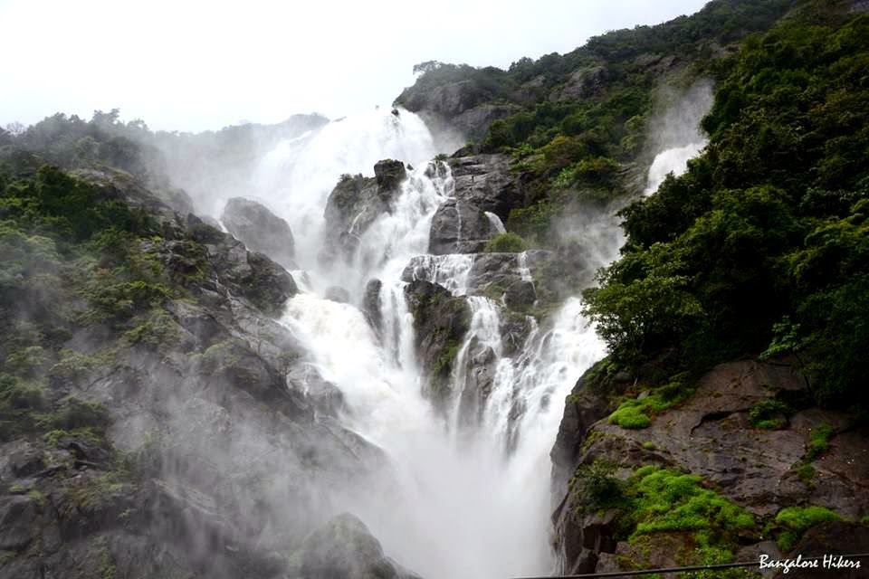Falling Down Wallpaper Journey To Dudhsagar Water Falls 12th Amp 13th July 2014