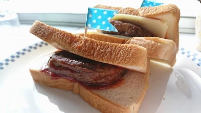 マルシンハンバーグ1個で2人分の食べ方!自家製たれのサンドイッチ