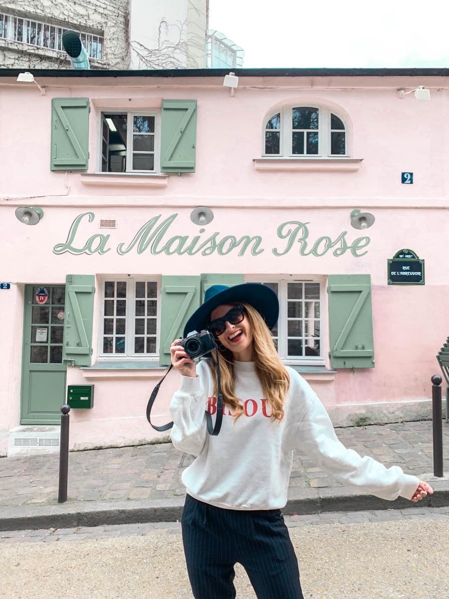 e957b0d8cf Con la de veces que he visitado París y creo que nunca me había  fotografiado con la casita más instagrameada de Montmatre