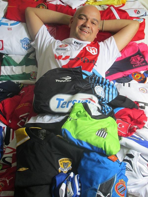 Sempre fui apaixonado por futebol e vejo as camisas como a maior  representação de um clube. adc47a3f6ed72