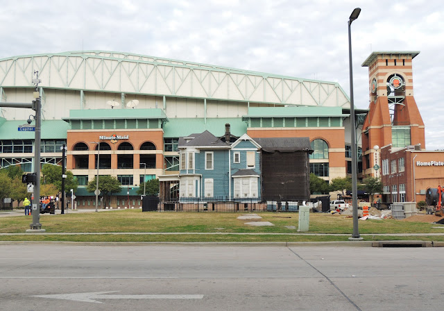 MinuteMaid Stadium seen from Capitol Street looking North