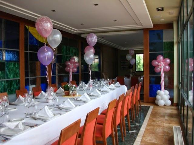 Decoraci n con globos de todo fiesta decoraciones para 1 for Centros de mesa para restaurantes