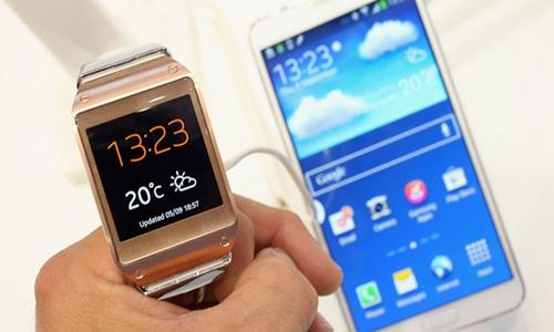 Smartphone e Relógio da Samsung