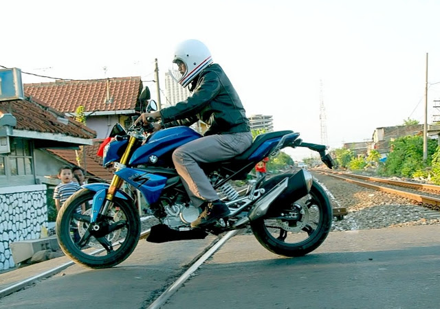 Review BMW G310R