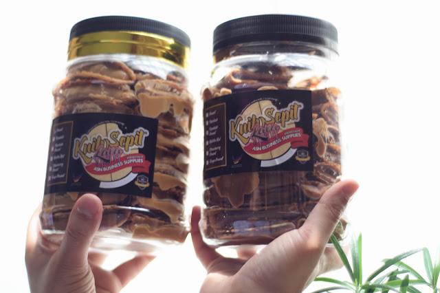 kuih sepit inti kacang dan coklat