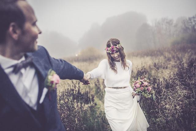 Hochzeitsfoto von Benjamin Eichler - Füße von Braut und Bräutigam