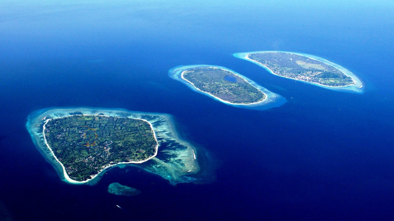 7 Tempat Wisata Populer di Lombok Favoritnya Wisatawan ...