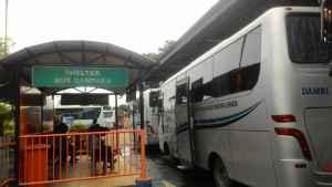 Bus Damri Terminal Bungurasih-Juanda-image by jalannaik.com