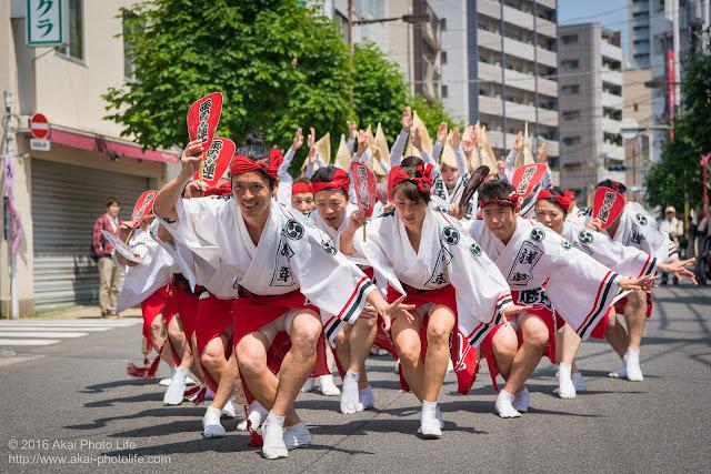 マロニエ祭りで浅草雷連の男踊りの踊り手達を撮影した写真 その2