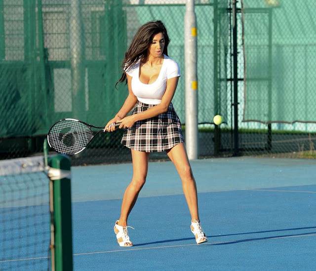Sexy tennis: Chloe Khan