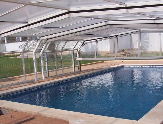 Diferentes estructuras de cubiertas para piscinas sf23 arquitectos - Piscinas altas ...