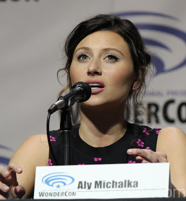 Aly Michalka looking gorgeous in this picture
