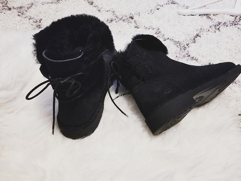ugg naiyah boot black outfit