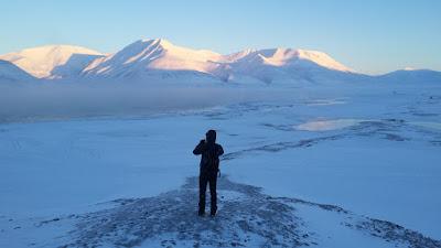 paisaje-helado-paseo-svalbard-noruega-enlacima