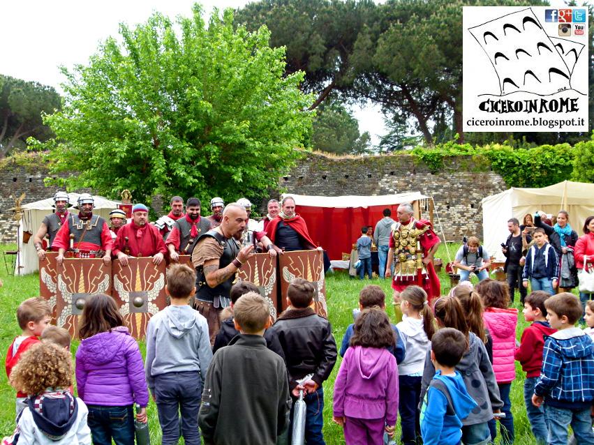 Per Bambini: Una Giornata con gli Antichi Romani nel loro Accampamento