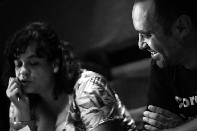 """Com participação de Tulipa Ruiz, Inquérito celebra e conceitua o RAP no single """"Lição de casa"""""""