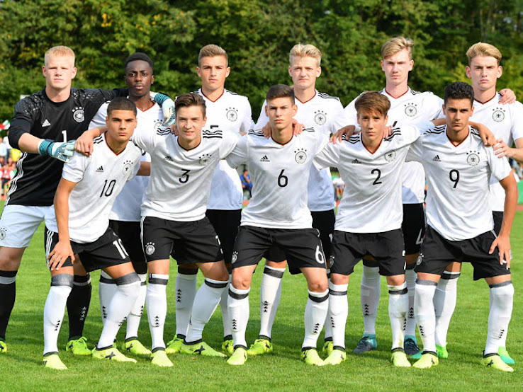 germany-youth-players+%25282%2529.JPG