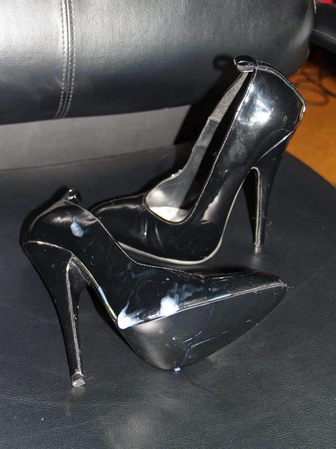 High Heels Sperma