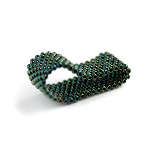 купить авторские изделия из бисера интересные женские кольца ручной работы