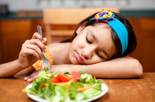 5 Cara Mengatasi Anak Susah Makan Sayur dan Nasi