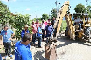 http://vnoticia.com.br/noticia/2518-parceria-entre-prefeitura-de-sfi-e-cedae-levara-agua-para-moradores-de-praca-joao-pessoa