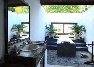 Cuarto de baño al aire libre