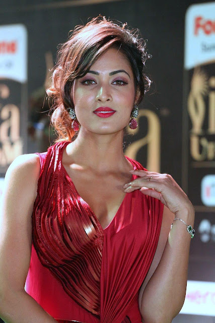 Vidisha Looks Sexy In Red Dress At The IIFA Utsavam Awards 2017