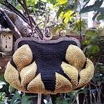 Handbag Warna Hitam Kombinasi Kuning Motif Daun