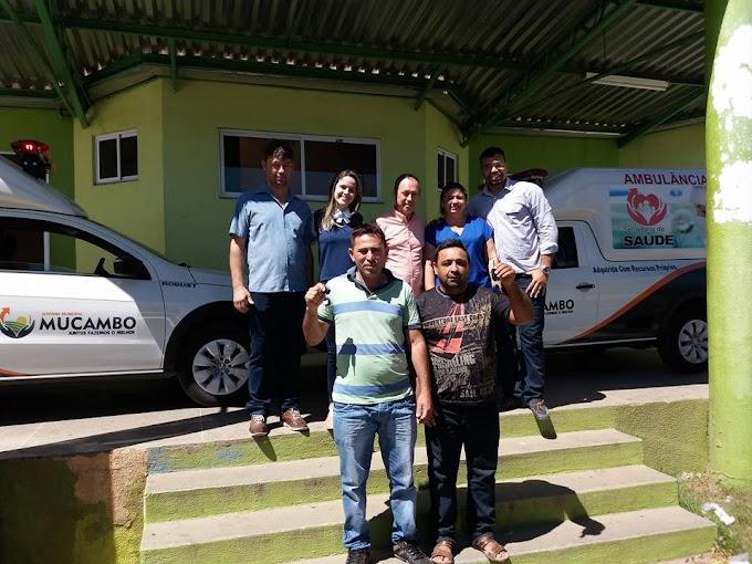 Mucambo-CE:Prefeitura entrega duas ambulâncias à população.