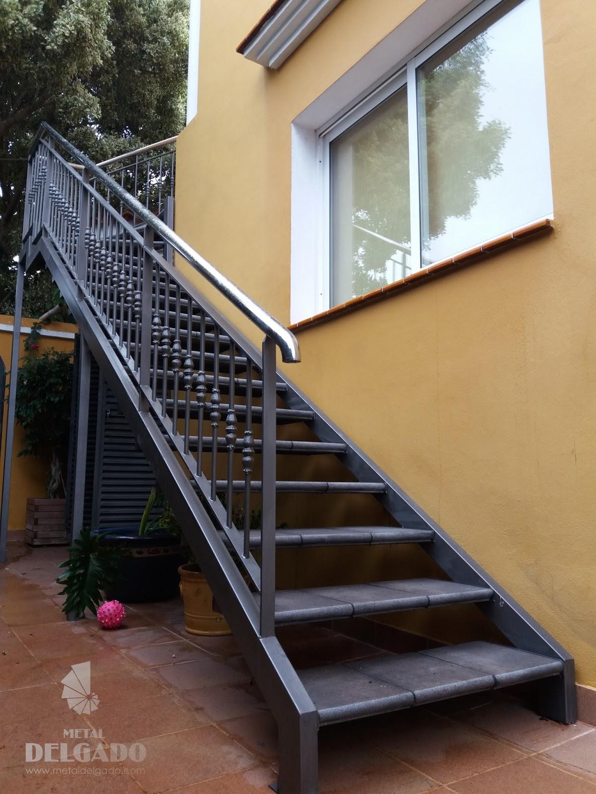 Acero inoxidable tenerife escaleras met licas tenerife for Gradas metalicas para casas