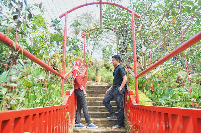 Spot Prewedding di The Le Hu Garden