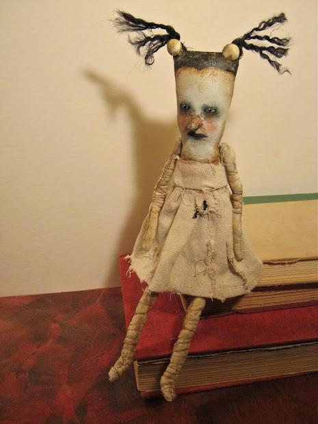 Sandy Mastroni Odd Strange Bizarre Funny Creepy Art Dolls