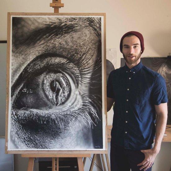 Jono Dry desenhos surreais hiper-realistas a grafite preto e branco corpos olhares