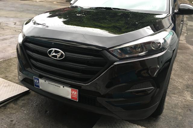 Black Hyundai Tucson with Black grill