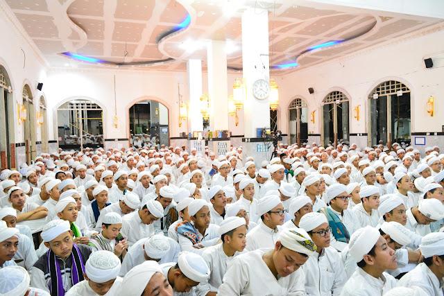 Khatmul Qur'an dan Tahlil Santri Dalwa untuk Ainu Tarim Hadramaut