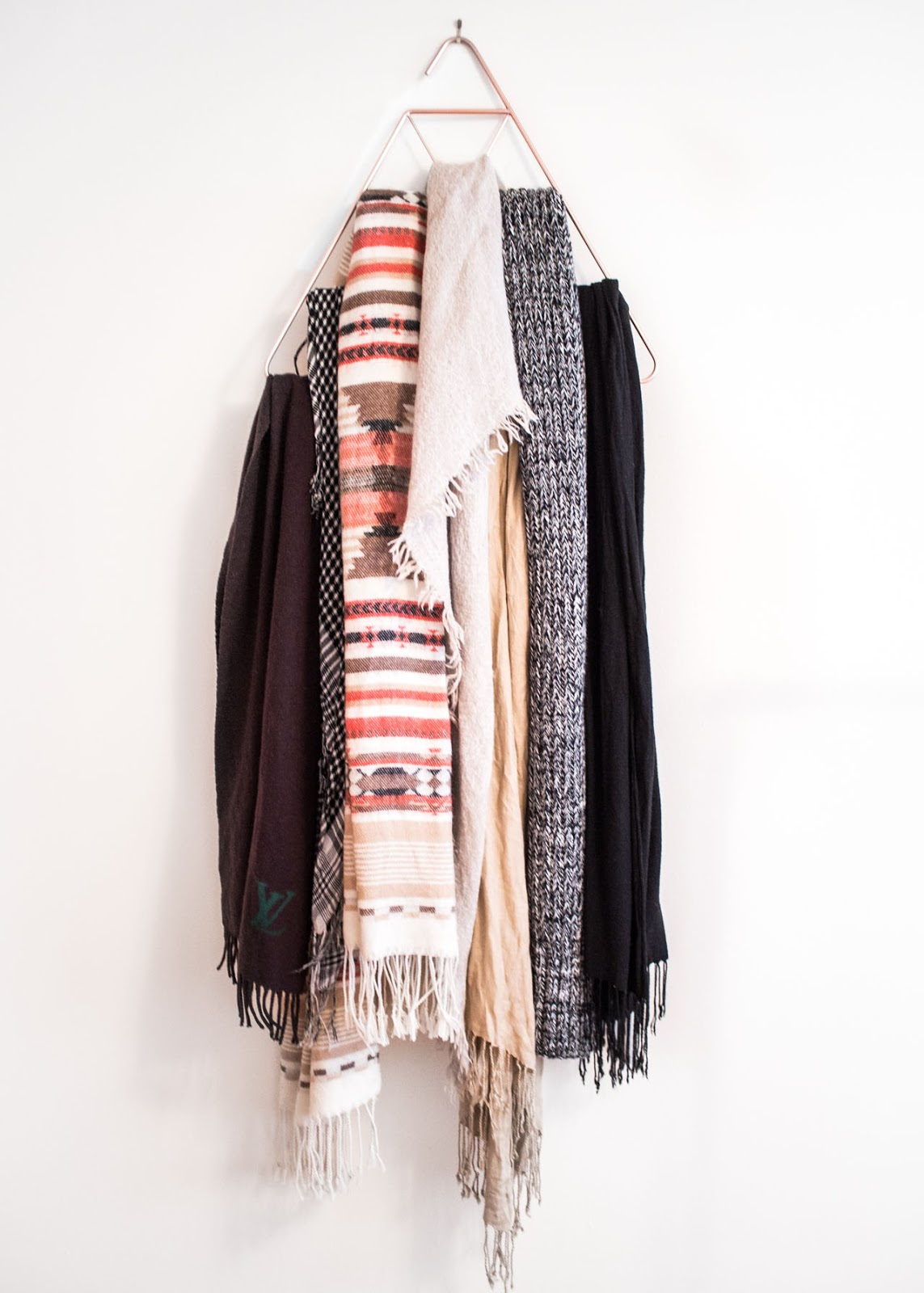 Scarf hanger - In My Dreams - Canadian Fashion Blogger