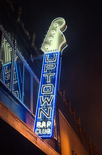 Oakland Signs Uptown Nightclub