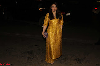 Sonam Kapoor Soha Ali Khan Konkona Sharma at Raw Mango store launch March 2017 030.JPG