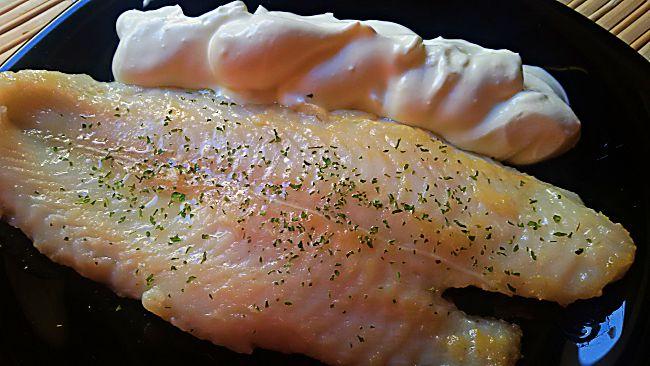 Pescado a la plancha con crema de jengibre