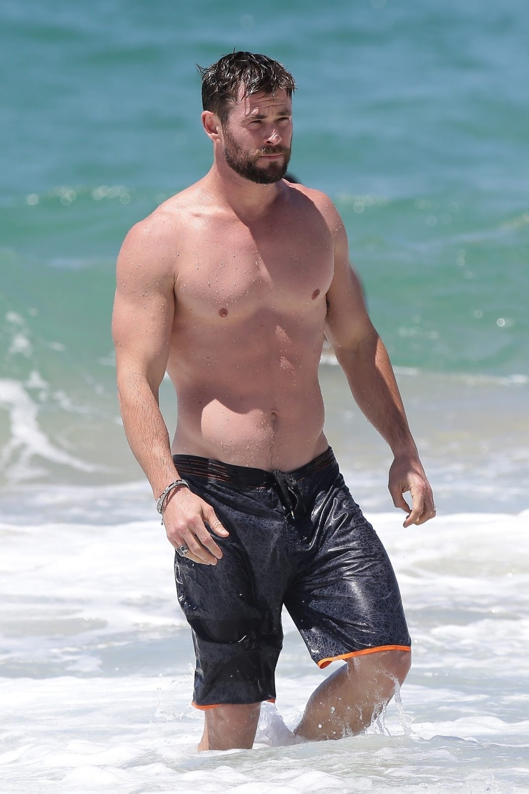 Liam Hemsworth sexy - The Male Fappening