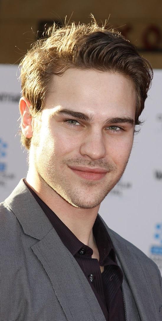 VJBrendan.com: Yes Please... Grey Damon