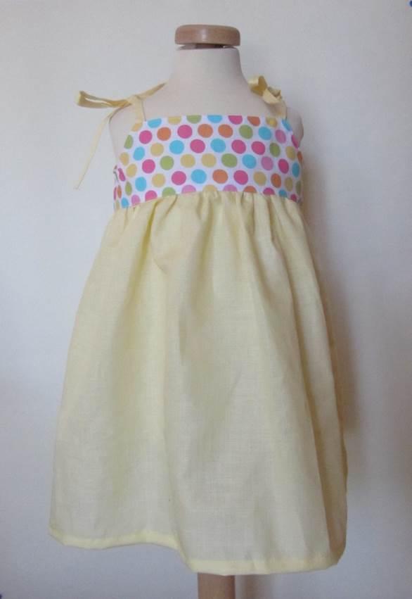 355aca2ee841 La sciarpa che canta  Come cucire un vestito da bambina per l estate