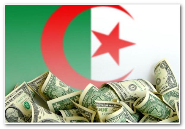 رغم ارتفاع أسعار النفط.. الجزائر تفقد 9 مليارات دولار من احتياطي العملة!