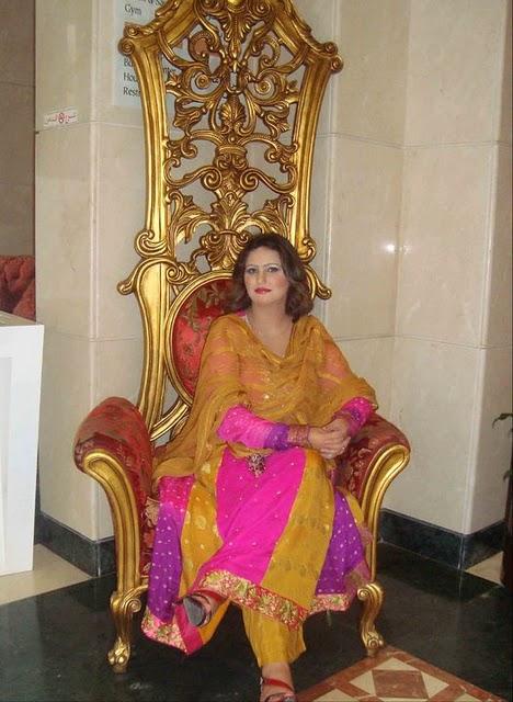 Ikbhal Cute Babies: Azra Iqbal New Pashto Cute Singer Nice Photos