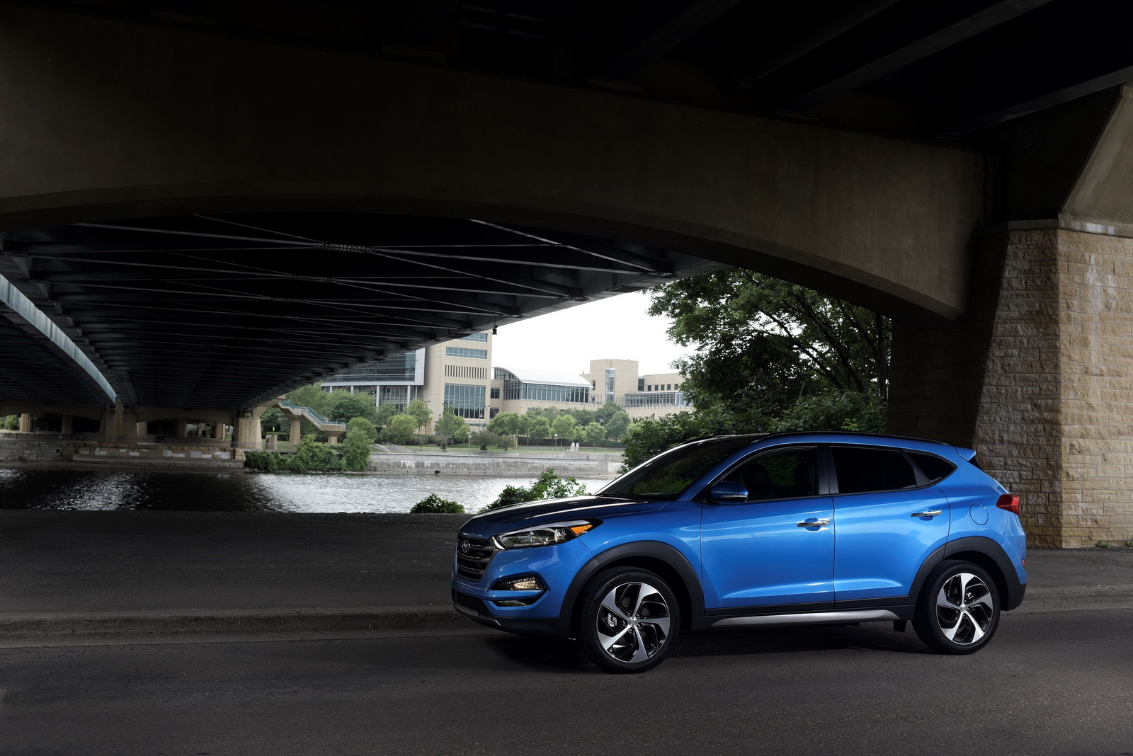 2017 hyundai tucson mixes more tech with better interior. Black Bedroom Furniture Sets. Home Design Ideas