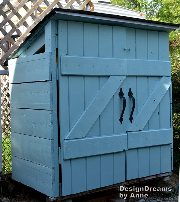 Designdreams by anne the mini shed project aka i built a for Casitas de madera para guardar cosas