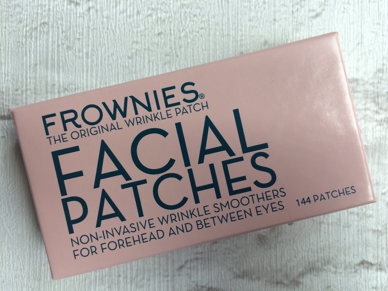 Frownies Facial patches, forehead and between the eyes